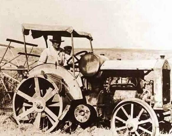 ataturk traktörde